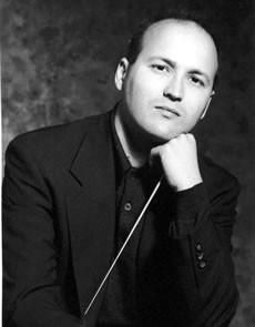 PHOTO Enrique Mazzola dirige l'Orchestre National d'Île-de-France dans des oeuvres de Rossini, Paganini et Dvorak.