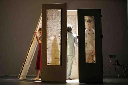 Chansons du deuxième étage - Critique sortie Avignon / 2010