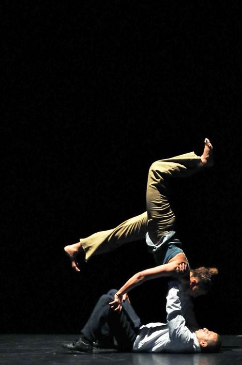 Meia Lua - Critique sortie Avignon / 2010