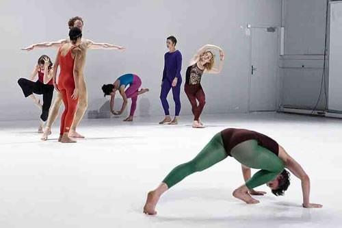 Revisiter l'histoire de la danse - Critique sortie Avignon / 2010