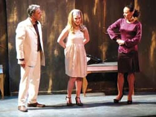 Huis clos - Critique sortie Avignon / 2010