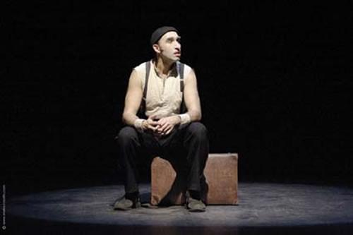 Monologue avec valise - Critique sortie Avignon / 2010