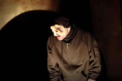 Qui ? - Critique sortie Avignon / 2010