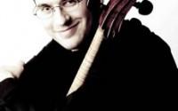 Photo by Marco Borggreve :  Le violoncelliste Christian Poltéra est le soliste du concerto de Lutoslawski avec l'Orchestre de Paris le 29 janvier à 20h à la Salle Pleyel
