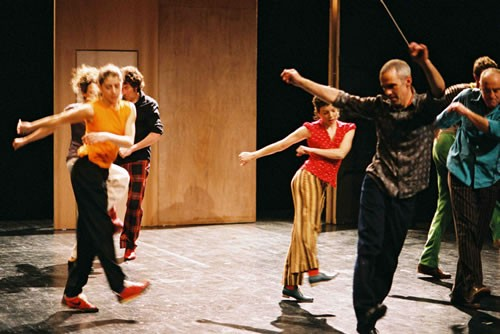 Rien que cette ampoule dans l'obscurité du théâtre - Critique sortie Avignon / 2009