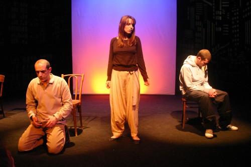 Les Déplacés - Critique sortie Avignon / 2009