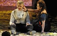 Lambert Wilson et Greta Scacchi dans A Little Night Music au Théâtre du Châtelet.  Crédit : Marie-Noëlle Robert