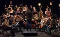 Avec Les Siècles, François-Xavier Roth invente une autre vision de l'orchestre symphonique. Photo: Simone Poltronieri