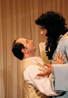 Embrassons-nous Folleville ! - Critique sortie Théâtre