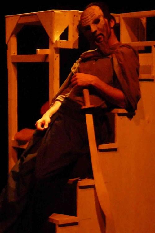 Antigone - Critique sortie Avignon / 2011