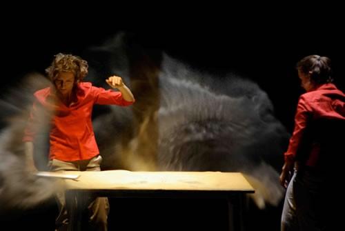Des cailloux sous la peau - Critique sortie Avignon / 2011