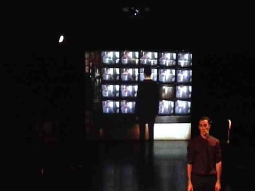 Fuites - Critique sortie Avignon / 2011