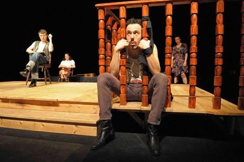 Hors-la-loi - Critique sortie Avignon / 2011