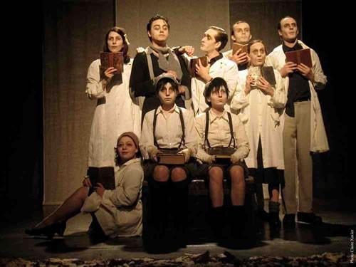 Le grand cahier - Critique sortie Avignon / 2011