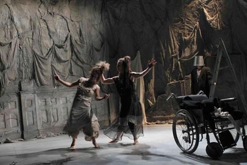 Ruines vrai refuge - Critique sortie Avignon / 2011