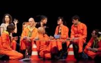 © Elisabeth Carecchio Huit comédiens unis par une formidable énergie collective et une inventivité continue.