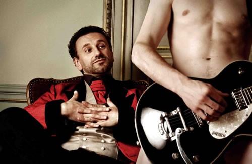 Nicolas Bacchus chante Devant tout le monde - Critique sortie Avignon / 2012