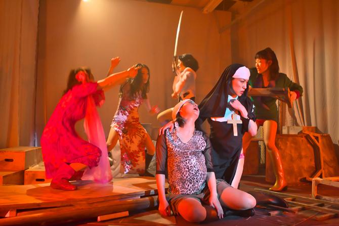 Le Fric et les Femmes par la Compagnie Kegawazoku - Critique sortie Théâtre Paris Maison de la Culture du Japon