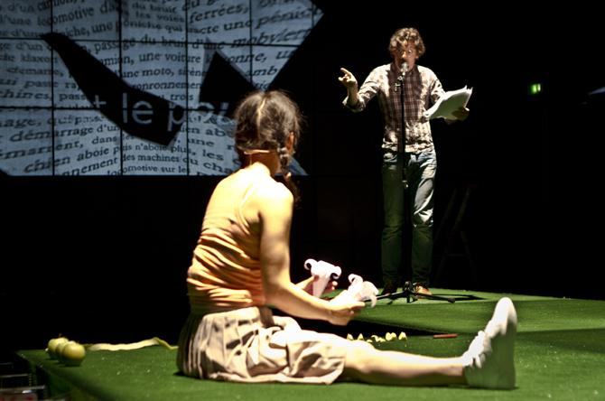 Anne Théron met en scène L'Argent de Christophe Tarkos - Critique sortie Théâtre Noisiel La Ferme du Buisson