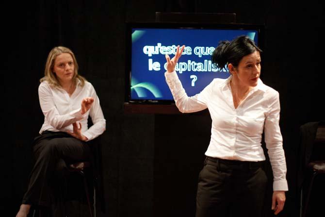 Crédit photo : Vincent ArbeletLégende photo : Anne Cuisenier et Géraldine Pochon en professeurs de désespoir.