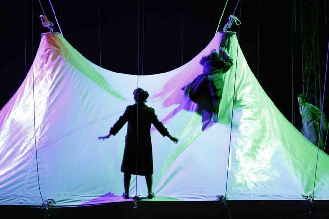 Géométrie de caoutchouc - Critique sortie Théâtre Paris l'Espace Chapiteau de la Villette