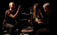 Crédit photo : Igor Juget Légende photo : Leïla Cukierman, D' de Kabal et Nina Miskina entre souvenirs et lendemains qui chantent.