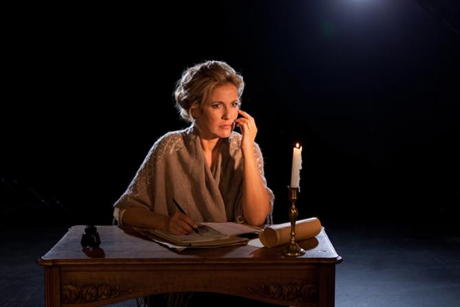 Le Journal d'une femme de chambre - Critique sortie Théâtre boulogne TOP