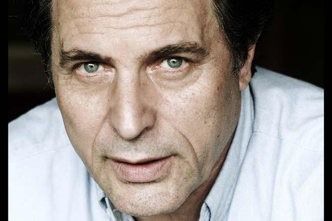 Joël Dragutin met en scène Une maison en Normandie - Critique sortie Théâtre Cergy-Pontoise Théâtre 95