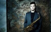 Le jeune saxophoniste Baptiste Herbin signe à 24 ans son premier album  «Brother Stoon» chez Just Looking/Harmonia Mundi, les 10 et 11 décembre à 20 h et 22 h au Duc des Lombards. © Morgan Roudaut