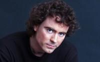 Le pianiste Paul Lewis, schubertien anglais.