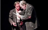 Crédit photo : Emmanuelle Murbach Légende photo : Hervé Pierre et Pascal Duquenne, deux voix d'un monologue intérieur.