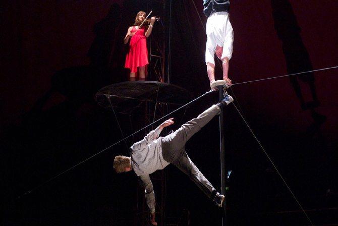 Le Bal des Intouchables - Critique sortie Cirque Marseille Théâtre du Gymnase