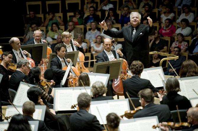 LEONARD SLATKIN - Critique sortie Classique / Opéra Paris Salle Pleyel