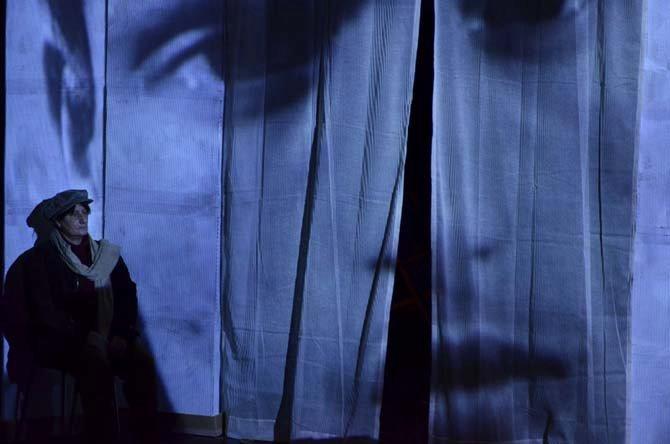 « Et puis, nous passions le pantalon français… » - Critique sortie Théâtre Paris CITE NATIONALE DE L'immigration