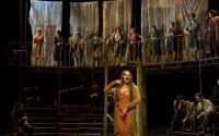 Crédit photo : Nathaniel Baruch Légende : « La jolie troupe de Cachafaz de Copi par Benjamin Lazar. »