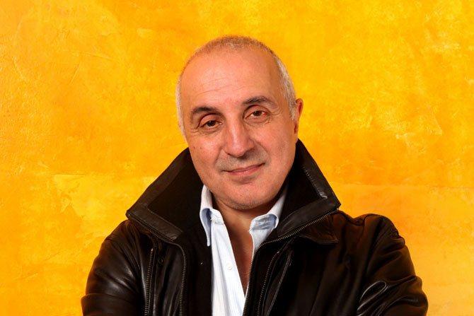 Entretien Adel Hakim - Critique sortie Théâtre Ivry-sur-Seine STUDIO CASANOVA IVRY