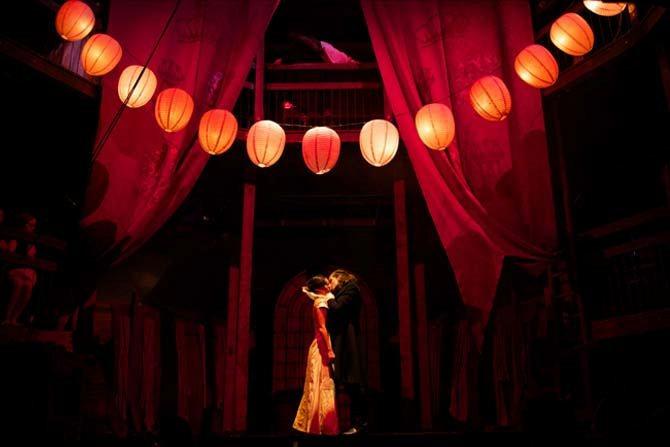 Crédit : Clément Belleudy Légende : Roméo et Juliette, par la compagnie Les Mille chandelles.