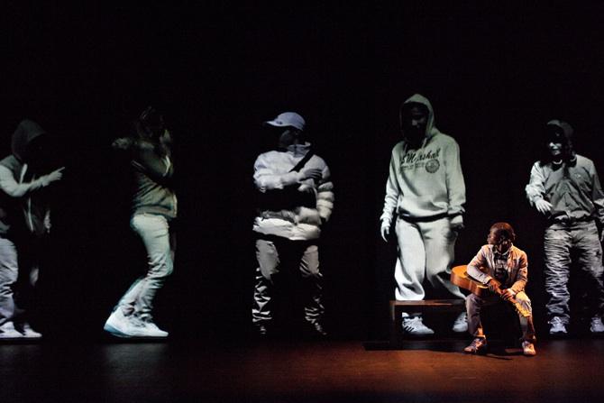 Même les chevaliers tombent dans l'oubli - Critique sortie Théâtre Le Blanc-Mesnil Forum du Blanc-Mesnil