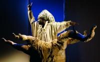 Crédit : DR Légende : Diariétou Keïta dans L'Echo du pas de l'homme, au Théâtre 95.