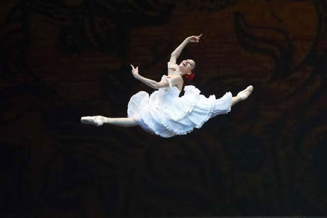 Les Étés de la danse - Critique sortie Danse Paris Théâtre du Châtelet