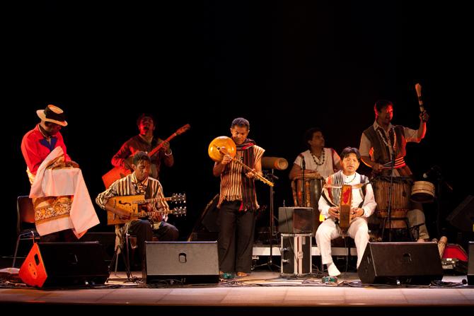 NY MALAGASY ORKESTRA - Critique sortie Jazz / Musiques Paris Arènes de Montmartre