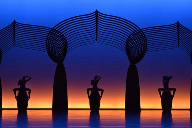 Vaison Danse - Critique sortie Danse Vaison-la-Romaine Théâtre antique d'Orange
