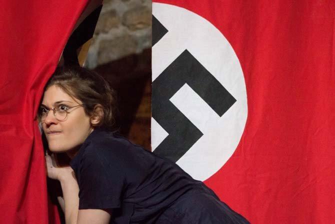Grand-peur et misère du IIIe Reich - Critique sortie Avignon / 2013 Avignon THEATRE DU BOURG NEUF Avignon off