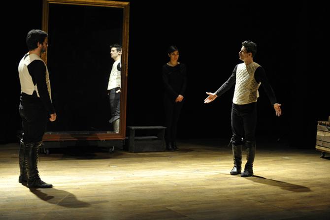 Hamlet 60 - Critique sortie Avignon / 2013 Avignon Le Petit Louvre