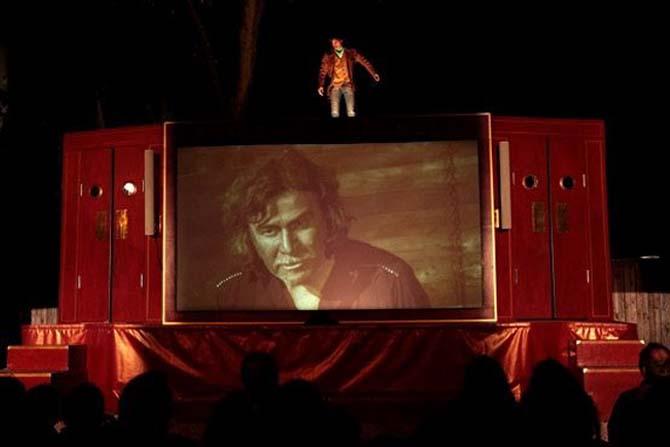 Le Film du dimanche soir - Critique sortie Avignon / 2013 Villeneuve lez Avignon Colline des Mourgues