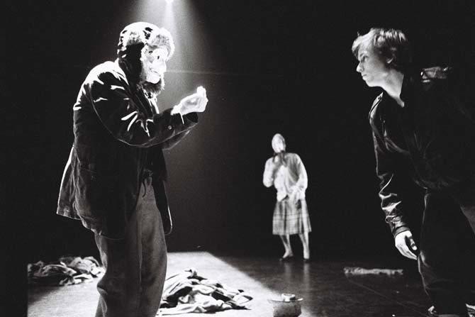 Le mot « progrès » dans la bouche de ma mère sonnait terriblement faux - Critique sortie Avignon / 2013 Avignon Théâtre des Lucioles