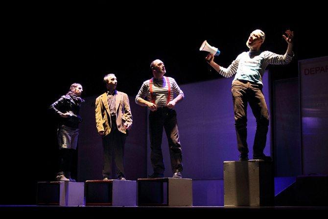 Monsieur Agop - Critique sortie Avignon / 2013 Avignon Théâtre des Lucioles
