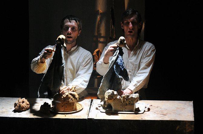 Tranchées - Critique sortie Avignon / 2013 Avignon PRESENCE PASTEUR-SALLE MARIE GERARD