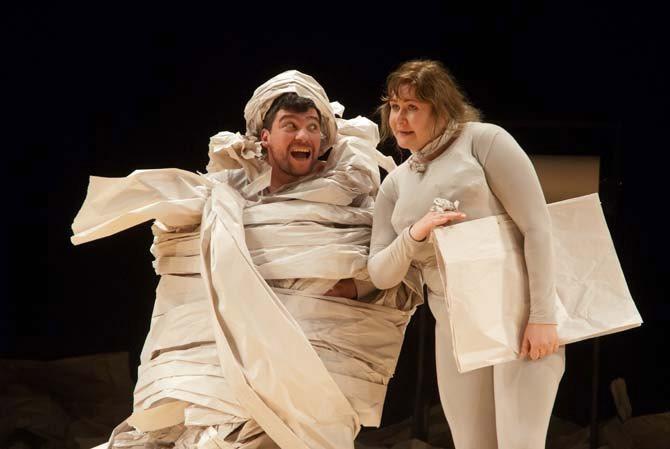 Übü király (Ubu roi) - Critique sortie Avignon / 2013 Avignon Théâtre des Halles