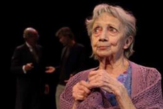 Votre Maman - Critique sortie Théâtre Beauvais Théâtre du Beauvaisis